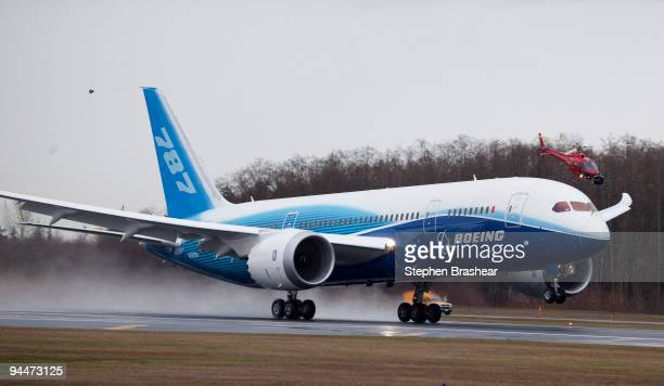 Boeing 787 Dreamliner accelerates down the runway while taking off on its longwaited first flight December 15 2009 at Paine Field In Everett...