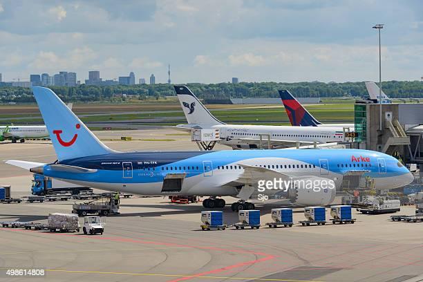 boeing 787 dreamliner flugzeug - tui ag stock-fotos und bilder
