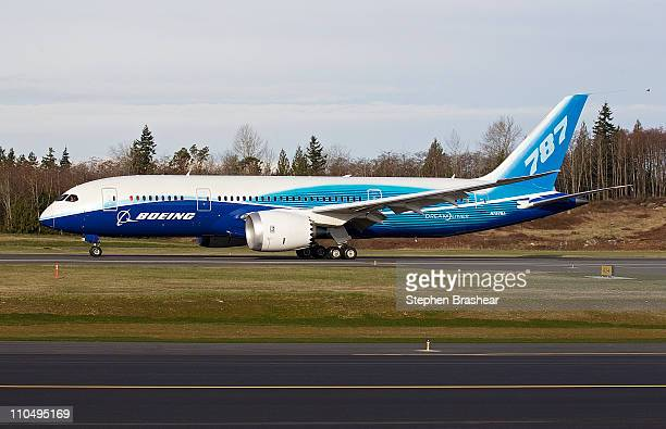 Boeing 787 Dreamliner conducts a test flight March 20 2011 at Paine Field in Everett Washington Boeing completed its 1000th 787 flight at the end of...
