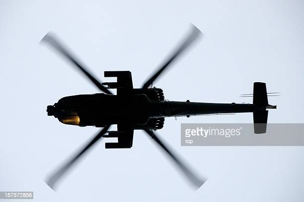 boeing ah-64d (apache) attack helicopter - apache helicopter stock pictures, royalty-free photos & images