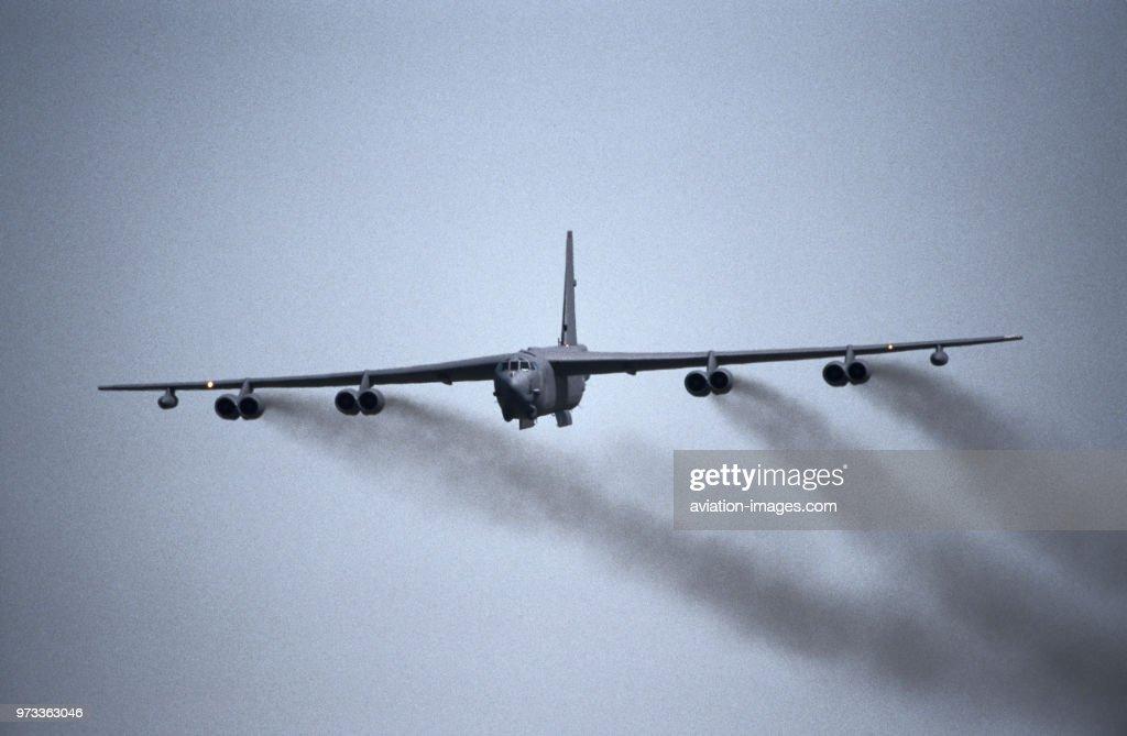 B-52 タミヤ 1/100 ミニジェットシリーズ NO.25 ボーイング B-52D ストラトフォートレス 60025