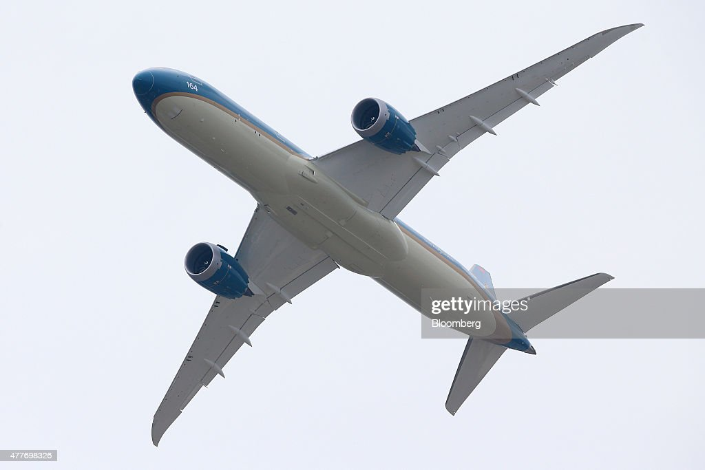 A Boeing Co. B787-9 Dreamliner airplane, operated by Vietnam Airlines Corp., performs a flying display on the opening day of the 51st International Paris Air Show in Paris, France, on Monday, June 15, 2015. The 51st International Paris Air Show is the world's largest aviation and space industry exhibition and takes place at Le Bourget airport June 15 - 21. Photographer: Jasper Juinen/Bloomberg via Getty Images