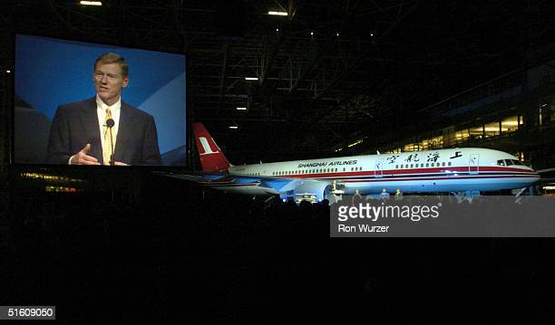 Boeing Executive Vice President Alan Mulally addresses fellow employees at a ceremony marking the completion of the 757 commercial airplane program...