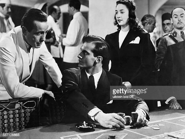 Bogart, Humphrey , Schauspieler, USA, in einer Szene aus dem Film, 'Casablanca', - 1943