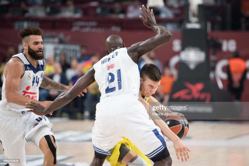 Fenerbahce Istanbul v Real Madrid - 2017 Turkish Airlines EuroLeague Final Four Semifinal A