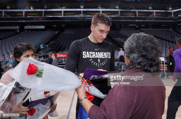 Bogdan Bogdanovic of the Sacramento Kings greets fans during International Women's day prior to the game agains thte Orlando Magic on March 9 2018 at...