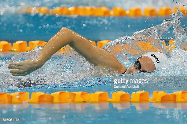 Boglarka Kapas of Hungary competes in the Women's Freestyle 800m Final during the 2016 FINA Swimming World Cup at OCBC Aquatic Centre on October 21...