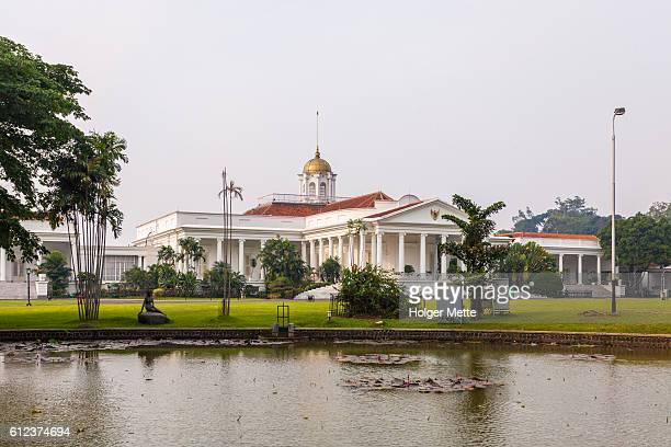 bogor palace in bogor, indonesia - bogor stock pictures, royalty-free photos & images