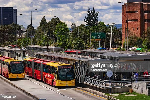 Bogotá, Kolumbien – TransMilenio station, Salitre El Greco