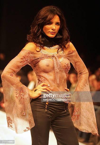 A model presents a creation by Colombian designer Bizar 02 June in Bogota during the Circulo de la Moda de Bogota fashion show AFP PHOTO/Mauricio...