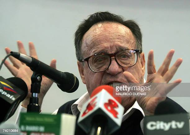 Mexican actor Roberto Gomez Bolanos gestures during a press conference 26 April in Bogota Gomez Bolanos is in Bogota to present his last book Sin...