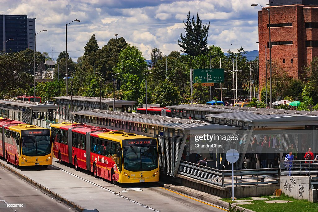 Bogota Colombia The El Salitre Transmilenio Station On Calle 26 Or Avenida El Dorado With Typical Articulated Busses High Res Stock Photo Getty Images