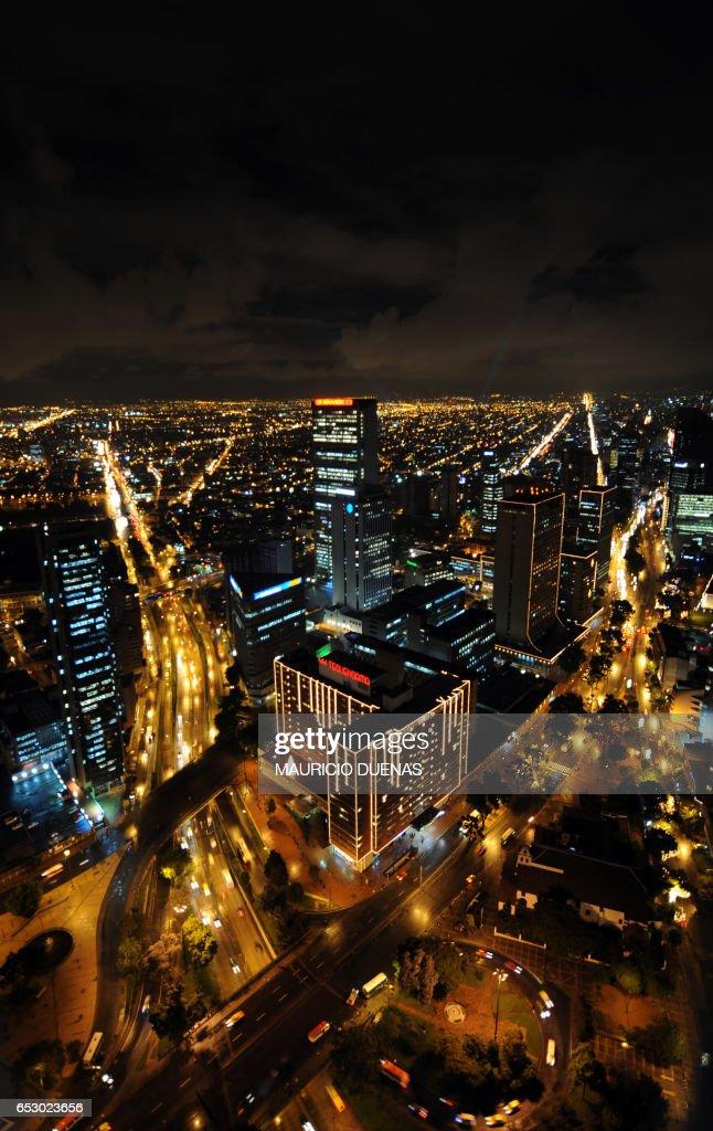 Bogota is illuminated with Christmas Lights on November 28, 2008. AFP PHOTO/Mauricio DUEÑAS /