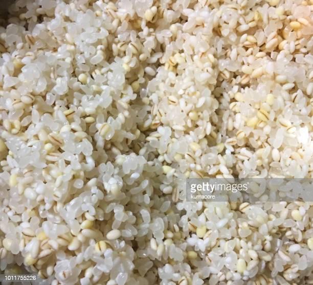 Boiled barley and rice
