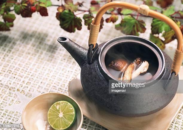 Boiled Dish in Teapot of Matsutake Mushroom