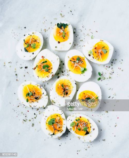 boiled eggs - ei stock-fotos und bilder