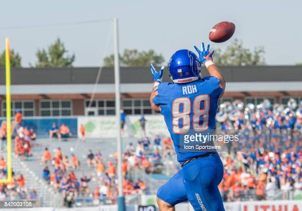 Boise State Broncos tight end Jake Roh reaches for a pass during the nonconference season opener between the Troy Trojans and the Boise State Broncos...