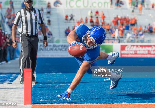 Boise State Broncos tight end Jake Roh reaches for the goal during the nonconference season opener between the Troy Trojans and the Boise State...