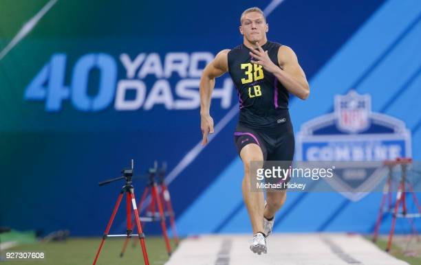 Boise State linebacker Leighton Vander Esch runs in the 40 yard dash during the NFL Scouting Combine at Lucas Oil Stadium on March 4 2018 in...