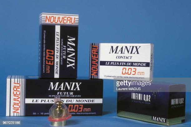 Boites de préservatifs 'Mannix' en 1987, Paris, France.