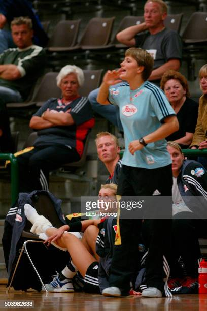 Bojana Petrovic Slagelse with a injury coach Anja Andersen