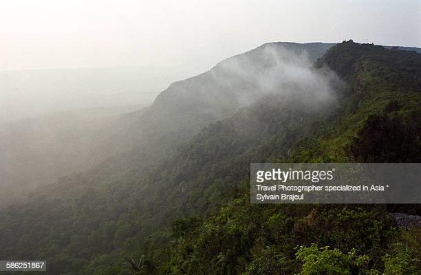 bokor hill, cambodia -  brajeul sylvain photos et images de collection