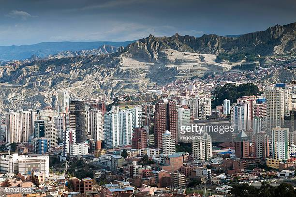 bolivia, la paz, the capital city - bolivia stockfoto's en -beelden
