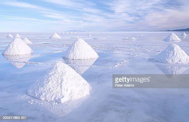 bolivia, potosi province, salar de uyuni salt pan - salt flat stock pictures, royalty-free photos & images