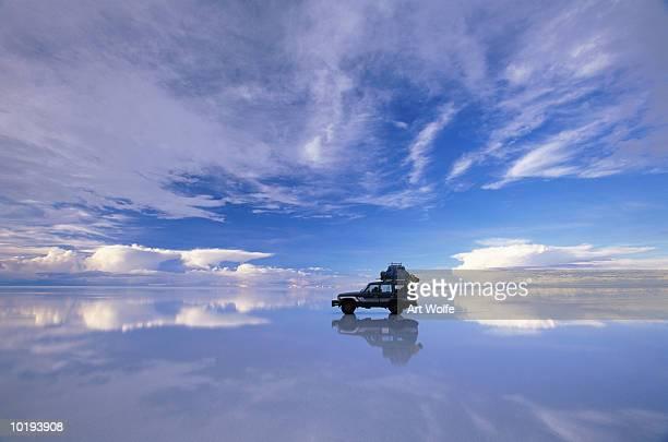 bolivia, salar de uyuni, expedition vehicle - salt flat stock pictures, royalty-free photos & images