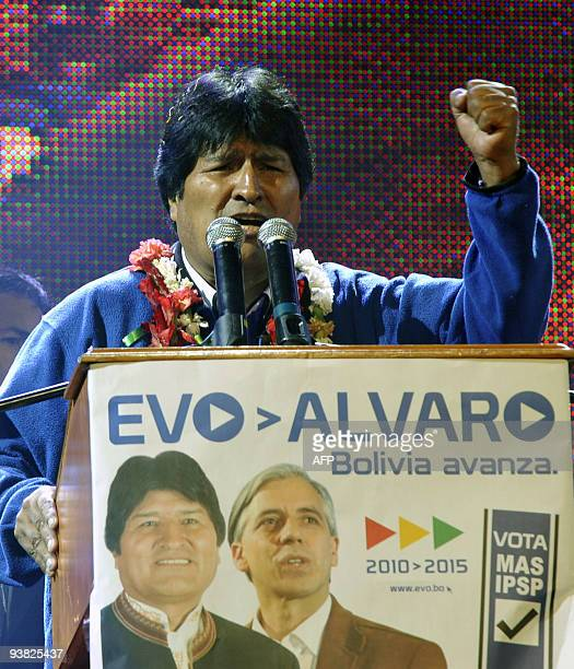 Bolivian Preisdent Evo Morales delivers a speech on December 3, 2009 in El Alto, 12 km of La Paz, during the closing rally of the Movement towards...