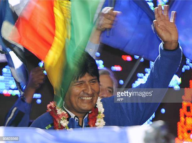 Bolivian Preisdent Evo Morales waves on December 3, 2009 in El Alto, 12 km of La Paz, during the closing rally of the Movement towards Socialism for...