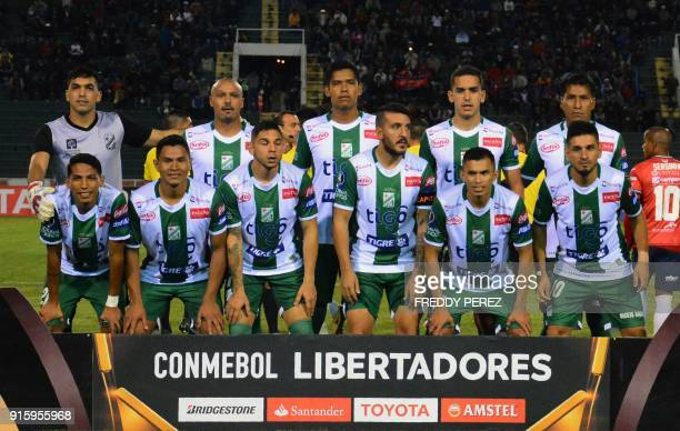 Bolivia's Oriente Petrolero players pose before their Copa Libertadores football match against Bolivia's Wilstermann at Patria Stadium in Sucre...