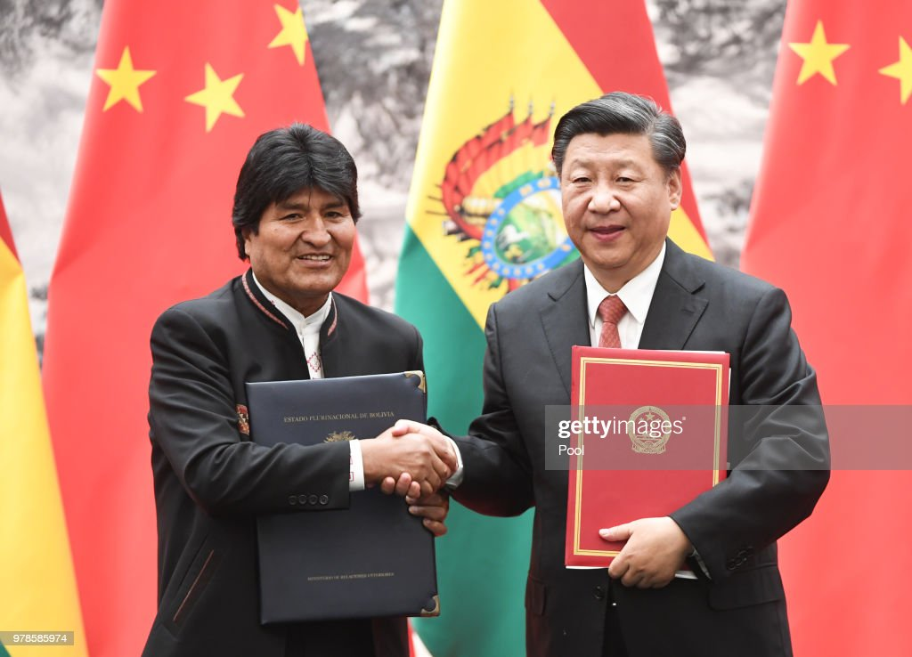 Bolivia's President Evo Moralesand Chinese President Xi Jinping during a signing ceremony : News Photo