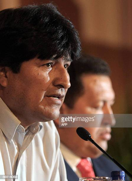 Bolivia's Presidentelect Evo Morales and his host Venezuelan President Hugo Chavez offer a press conference 03 January 2006 after a ceremony held in...