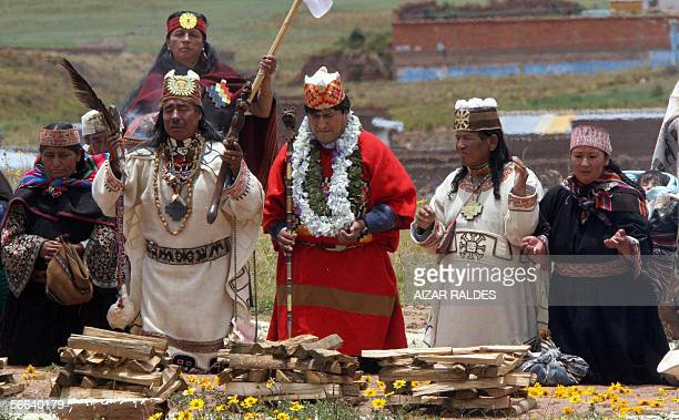 Bolivia's Presidentelect Evo Morales is purificated in a ritual performed by four Amautas in the Akapana site of the sacred place of Tiwanaku some 70...