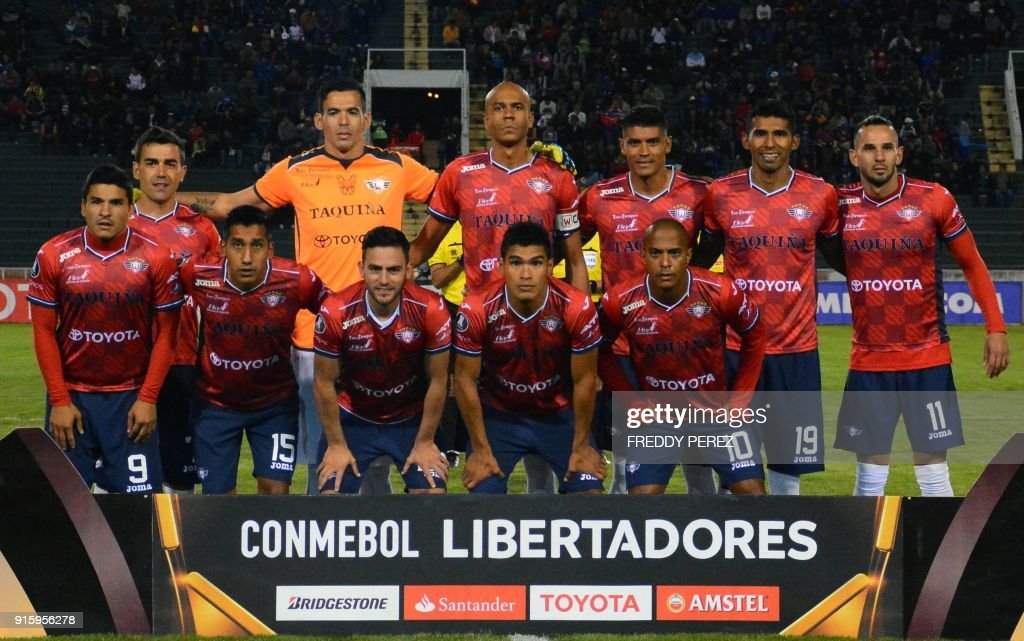 Bolivia's Wilstermann players pose before their Copa Libertadores football match against Bolivia's Oriente Petrolero at Patria Stadium, in Sucre, Bolivia on February 8, 2018. /