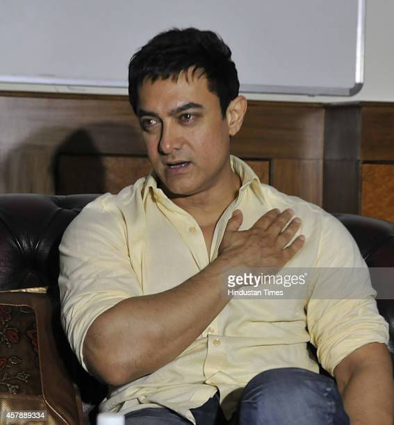Bollywood actor Aamir Khan addressing a press conference after shooting of TV show 'Mumkin Hai' on October 26 2014 in Bhopal India Mumkin Hai a...