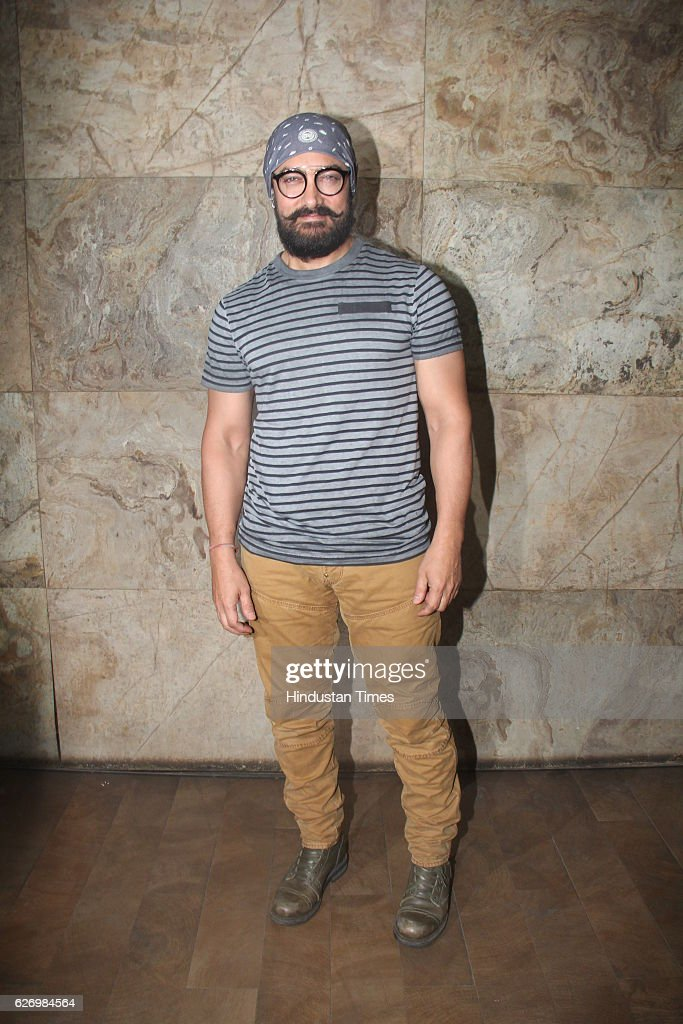 Aamir Khan Hosts Screening Of Making Of Film Dangal : Fotografía de noticias