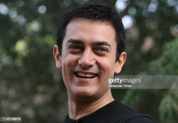 Bollywood actor Aamir Khan during the promotion of his forthcoming film 'Ghajini', on December 21, 2008 in New Delhi, India.