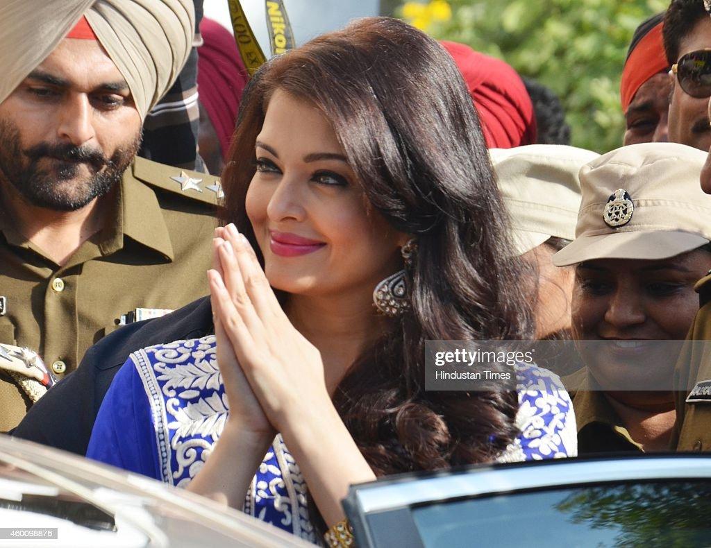 bollywood actor aishwarya rai bachchan inaugurates kalyan jewellers