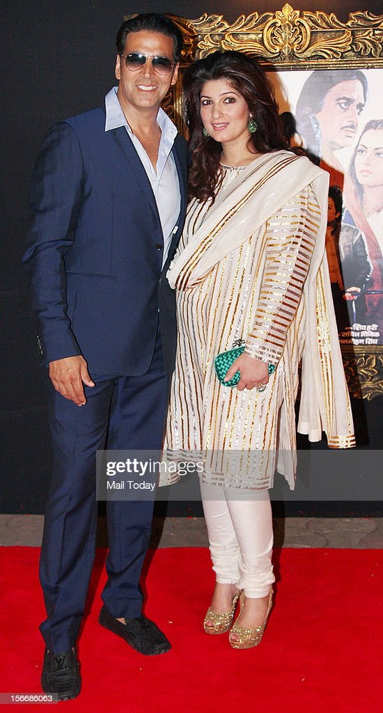 Bollywood actor Akshay Kumar and Twinkle Khanna at the grand premiere of Yash Chopra film Jab Tak ai Jaan at YRF Studios in Mumbai on Monday