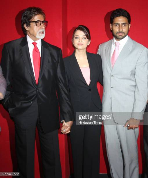 Bollywood actor Amitabh Bachchan along with Aishwarya and Abhishek Bachchan during the premiere of Sarkar Raj at Ambience Mall on June 3 3008 in...