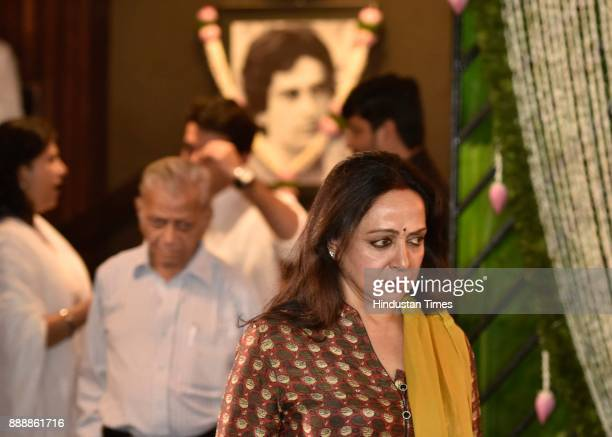Bollywood actor Hema Malini during a condolence meeting of late actor Shashi Kapoor at Prithvi Theatre Juhu on December 7 2017 in Mumbai India Shashi...