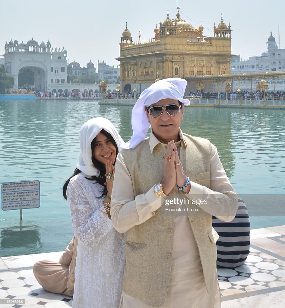 Jeetendra Pays Obeisance At Golden Temple With Daughter Ekta Kapoor And Wife Shobha Kapoor
