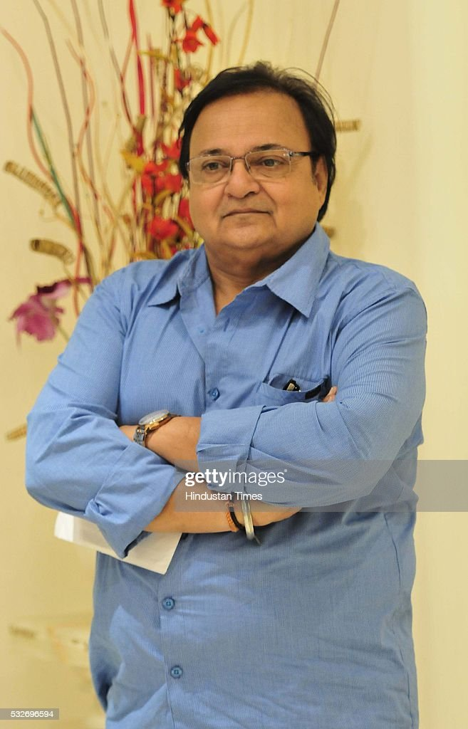 Bollywood actor Rakesh Bedi before a play `Mera Who Matlab Nahi Tha` in Tagore Theatre on May 18 2016 in Chandigarh India Written by actor Rakesh...