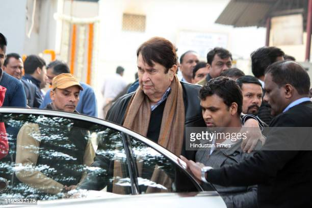Bollywood actor Randhir Kapoor at the funeral of Ritu Nanda at Lodhi Road Crematorium on January 14 2020 in New Delhi India Ritu Nanda daughter of...