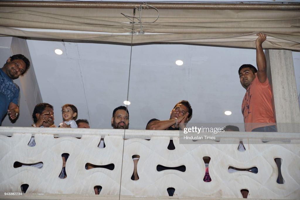 Bollywood Actor Salman Khan Arrives At His Galaxy Apartment After Getting  Bail In A Blackbuck Killing