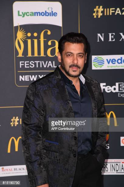 Bollywood actor Salman Khan arrives on the green carpet for the IIFA Awards July 15 2017 at the MetLife Stadium in East Rutherford New Jersey during...