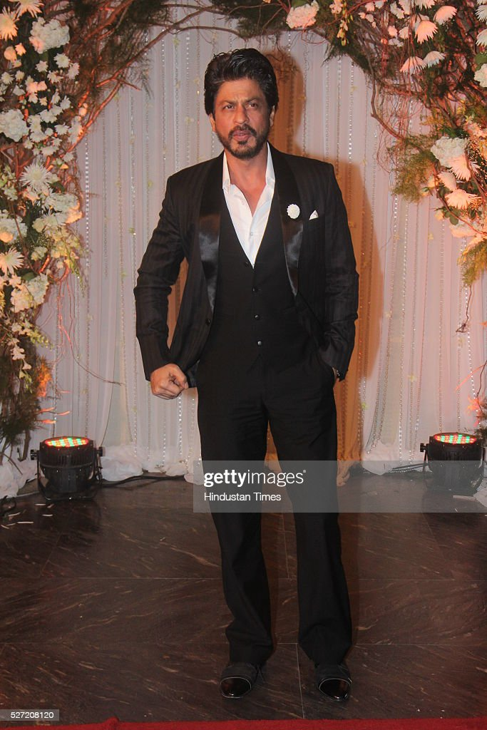 Bollywood actor Shah Rukh Khan at wedding reception of ...