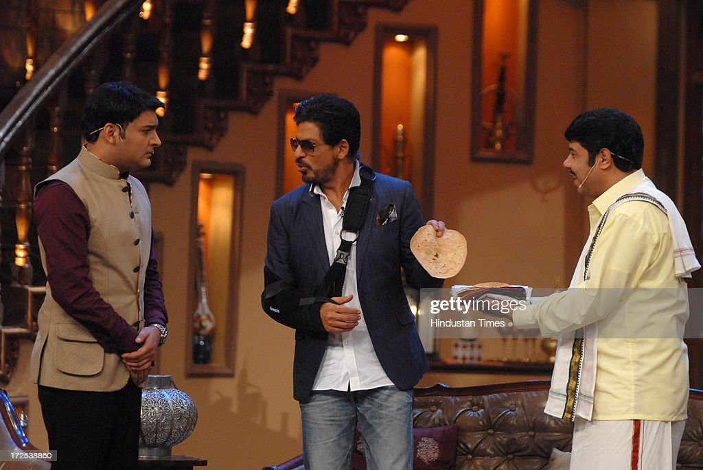 Bollywood Actor Shah Rukh Khan With Comedian Kapil Sharma During The News Photo Getty Images